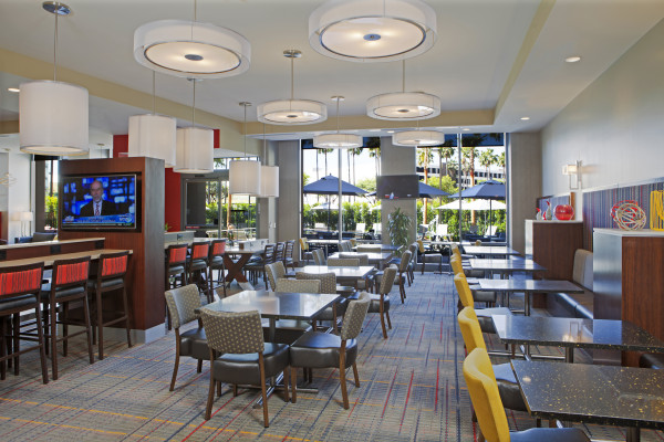 Residence Inn By Marriott LAX – Lobby Seating