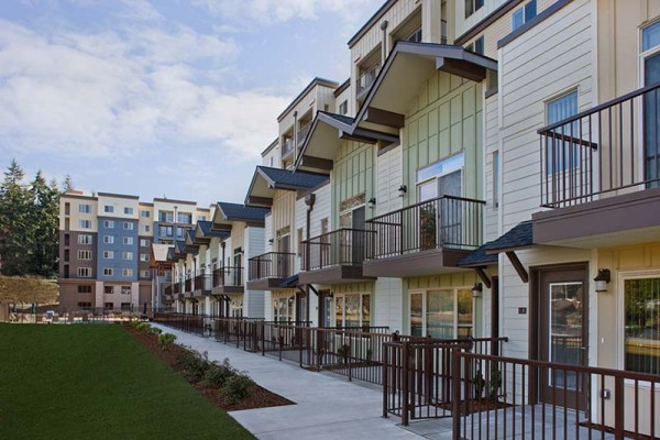 Echo Lake Apartments – Shoreline, WA