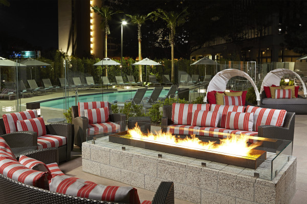 Residence Inn By Marriott LAX – Fire Pit Area